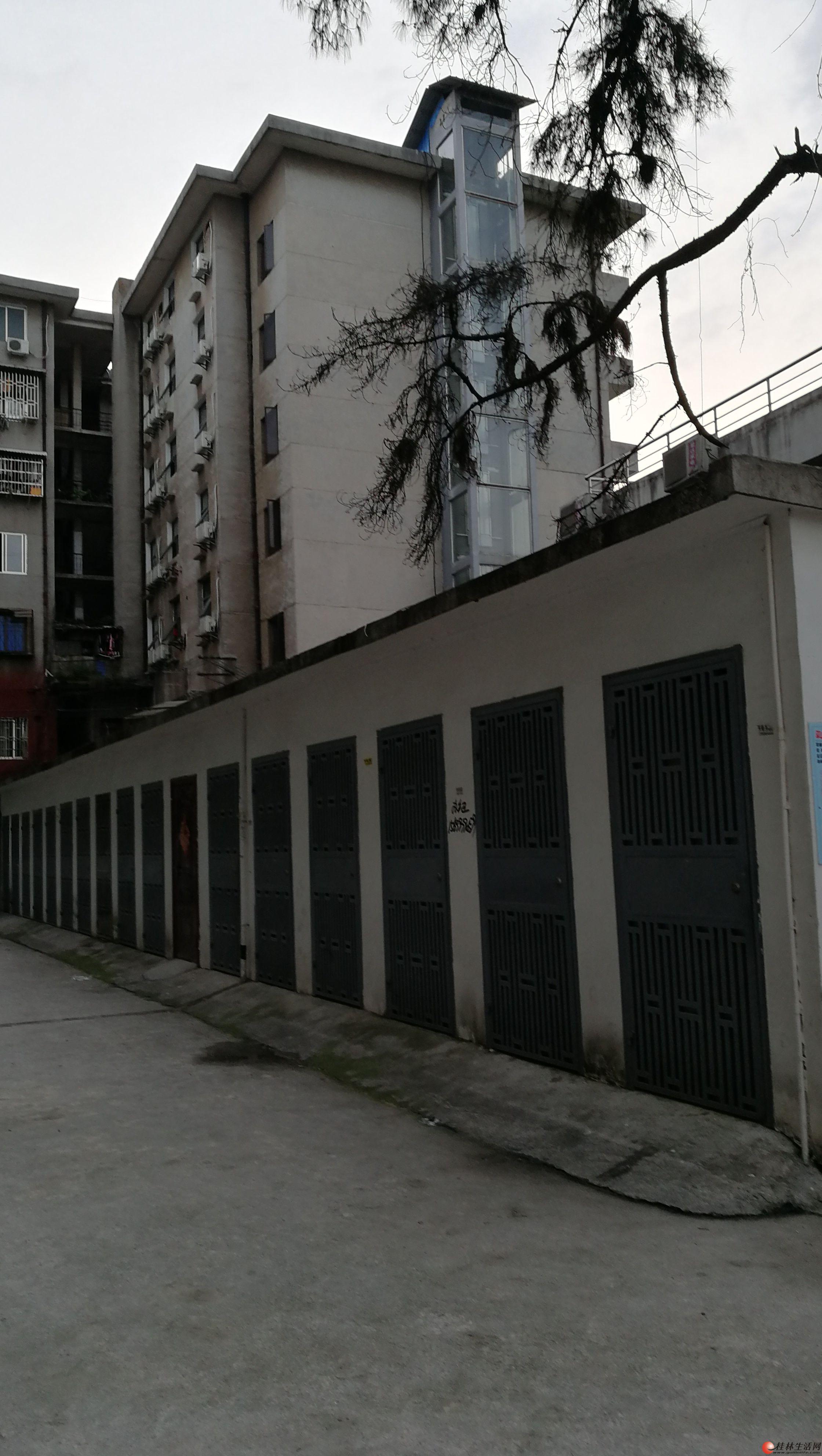 平山小学对面房屋出租