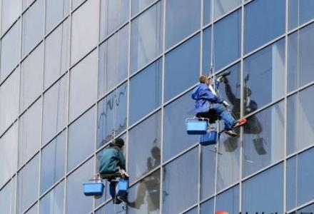 桂林专业开荒保洁+单位保洁+地毯清洗+高空外墙清洗公司