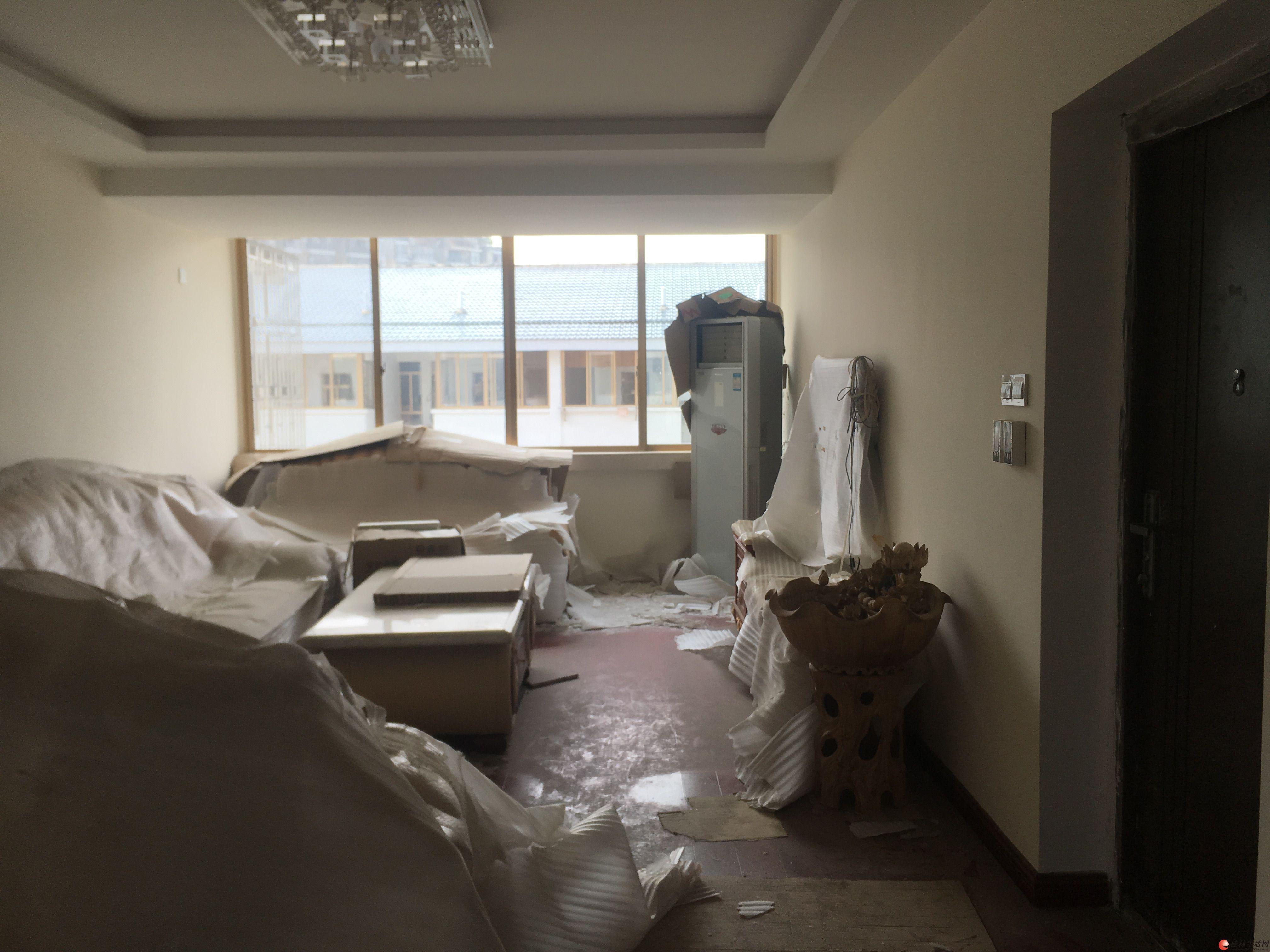 J公园绿涛湾复式5房2厅2卫 使用160平 仅110万送家具