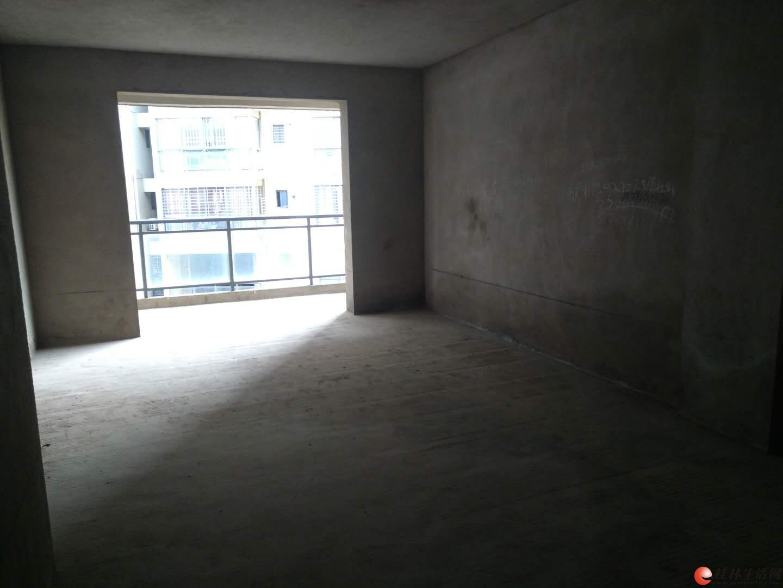 八里街 灵川大道 八里七路 水岸新城小区 电梯7楼 119平方 超低价45万
