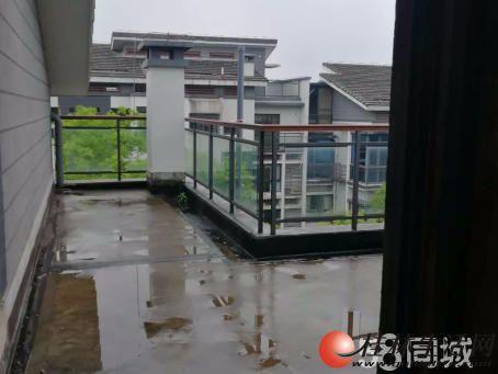 ZZ彰泰第六园顶楼复式带车位杂物间 仅售260万