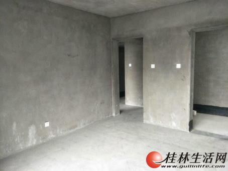 ZZ恒祥花园旁 鑫海国际 电梯6楼 清水 户型好 4房