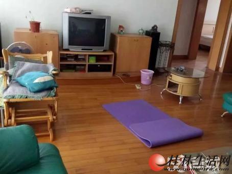 龙隐学区旺城苑小区,3房2厅2卫,130平米,3楼,88万出售,2002年