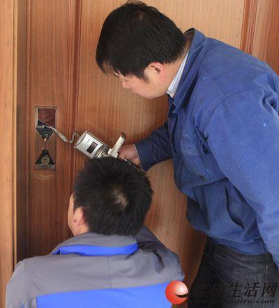 桂林秀峰区24小时专业开锁开防盗门锁汽车锁保险柜锁配钥匙公司