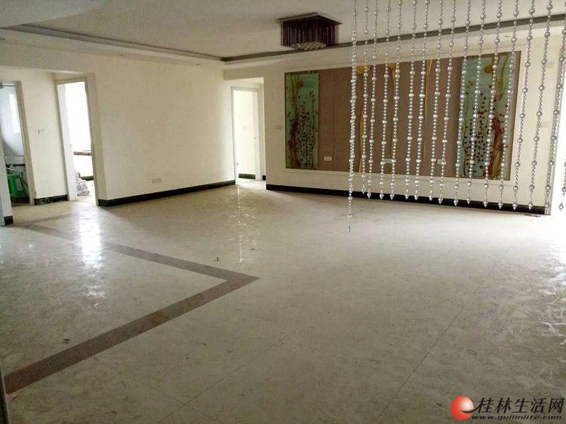 C七星区 急卖体育馆旁东晖国际公馆 3房2厅134平米精装视野好90万