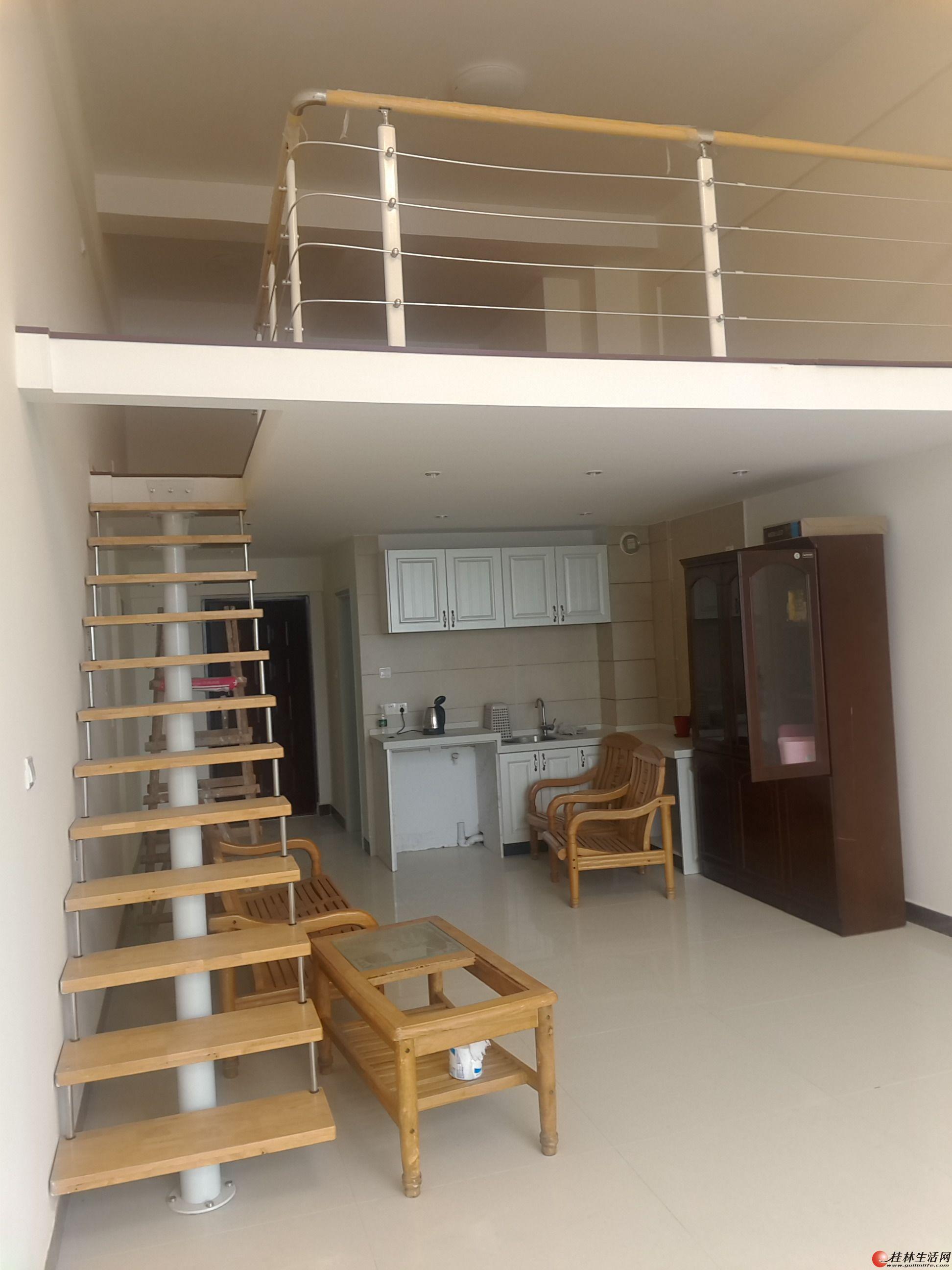 临桂 花样年层高5米 公寓楼55平方房东急用钱