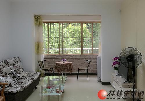 C七星区 会仙路公园绿涛湾商业街2房2厅低楼层精装2500元/月