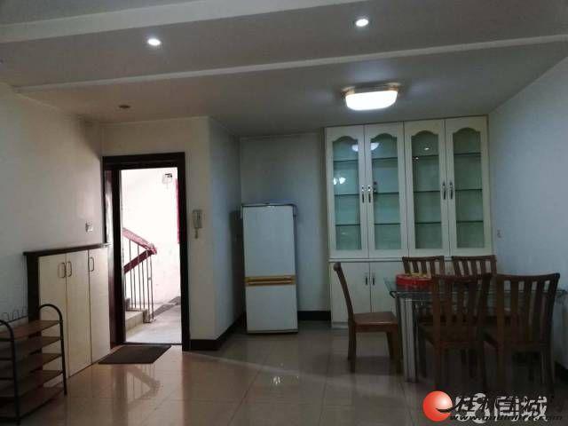 南溪山公园附近  两房两厅出租  房东自租非中介