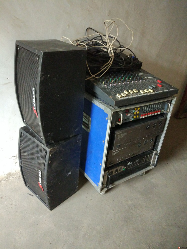 ktv专业音响设备便宜处理了