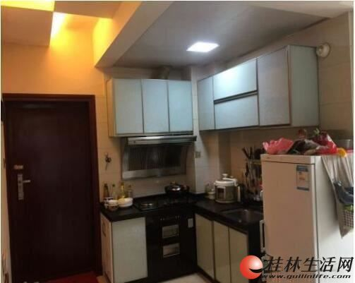 玉柴博望园电梯房,精装2房,送部分家具家电,拎包入住。