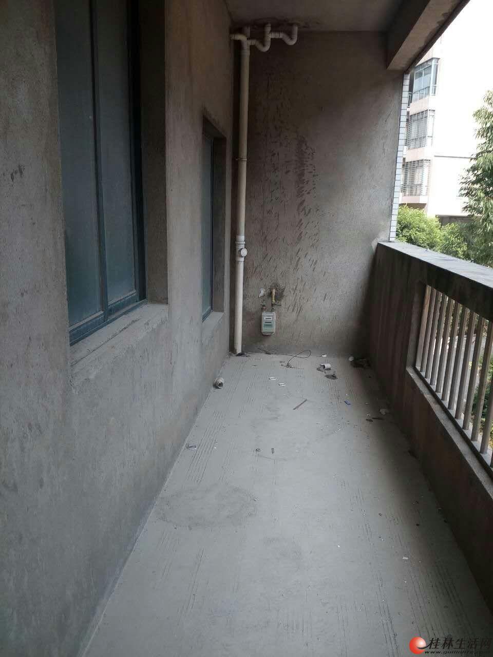 桂林八里街青青家园 3室2厅2卫