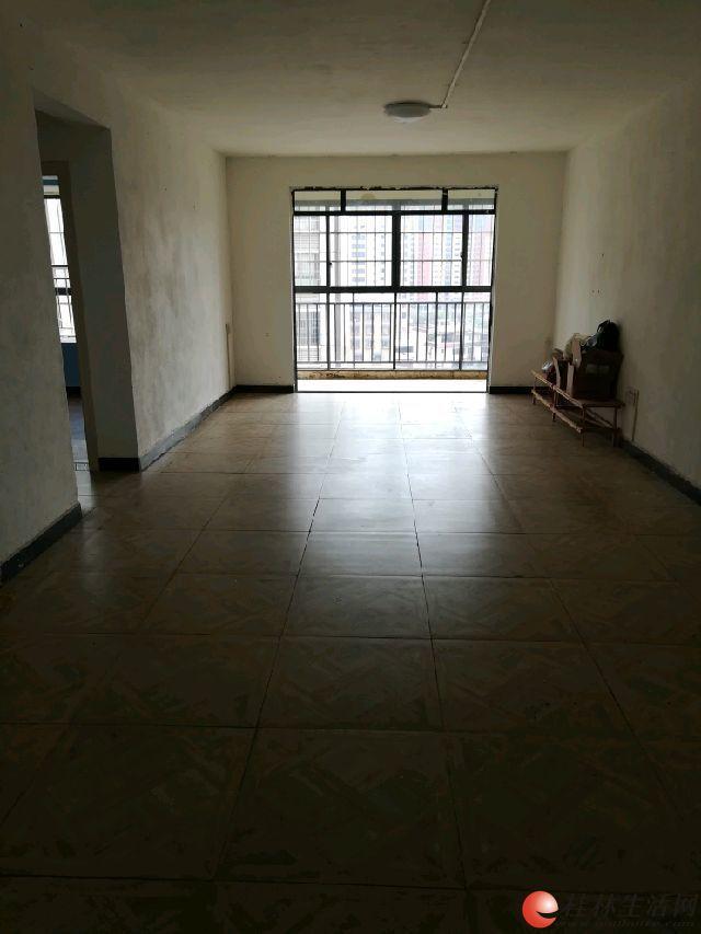 m广源国际对面安置小区电梯10楼精装2房2厅空房租1500