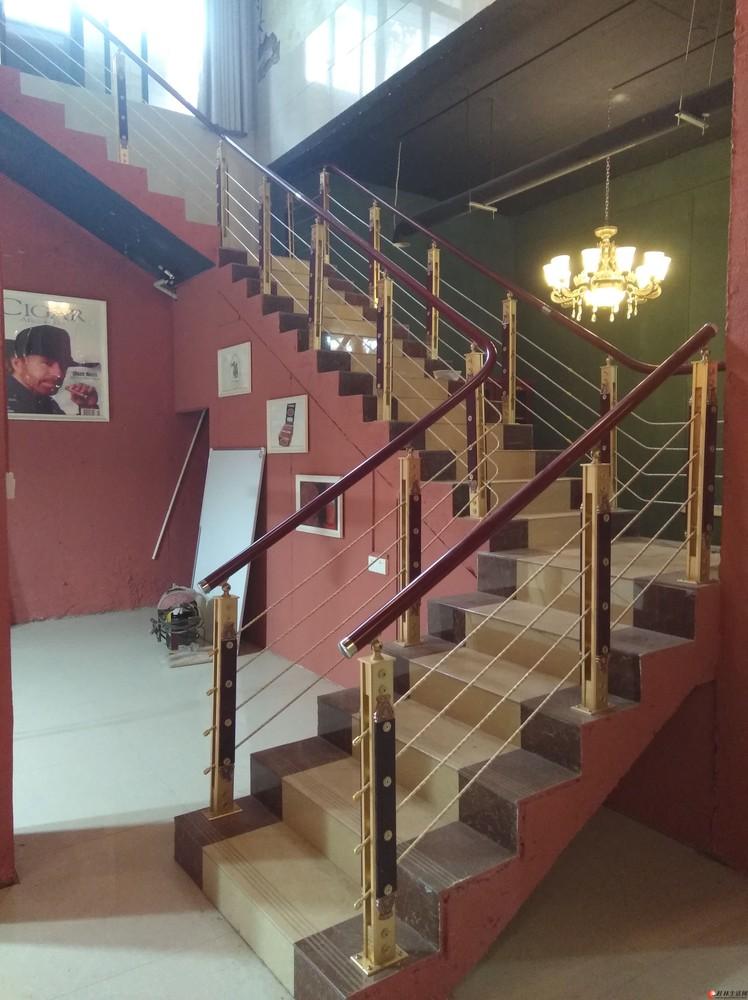 商住两用三房两厅三卫290平米,160平米花园