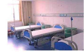 办公桌与医院病床,医疗设备