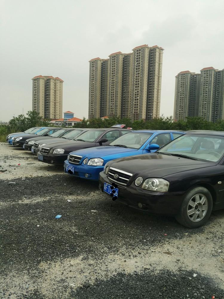 尚尊汽贸低价出售各类下线出租车