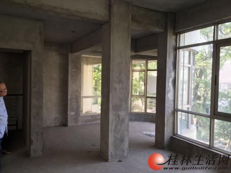 12楼叠拼别墅五号公馆送大露台230平170万