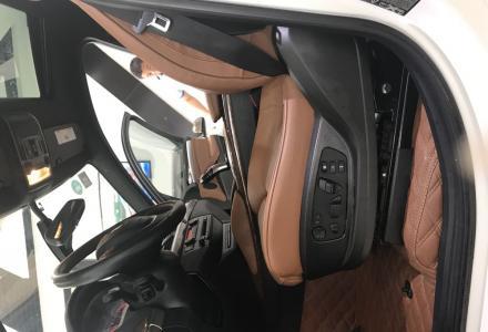 2013款宝马X6 xDrive35i美规版