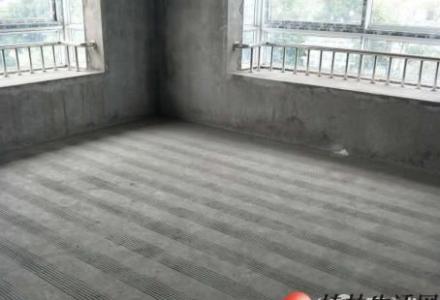 @七星龙隐山庄  龙隐本部看江景毛坯复式楼证件齐全4房4厅191平115万