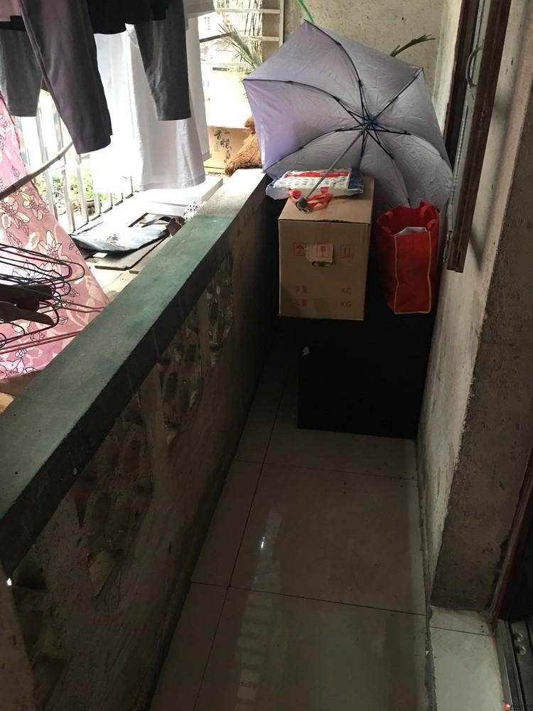象山区 西门菜市对面2楼大单间加阳台可做厂库