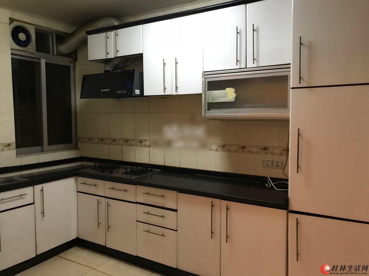 出租,铺星路铺星苑,3房2厅2卫,130平米,3楼,2800元/月,精装修