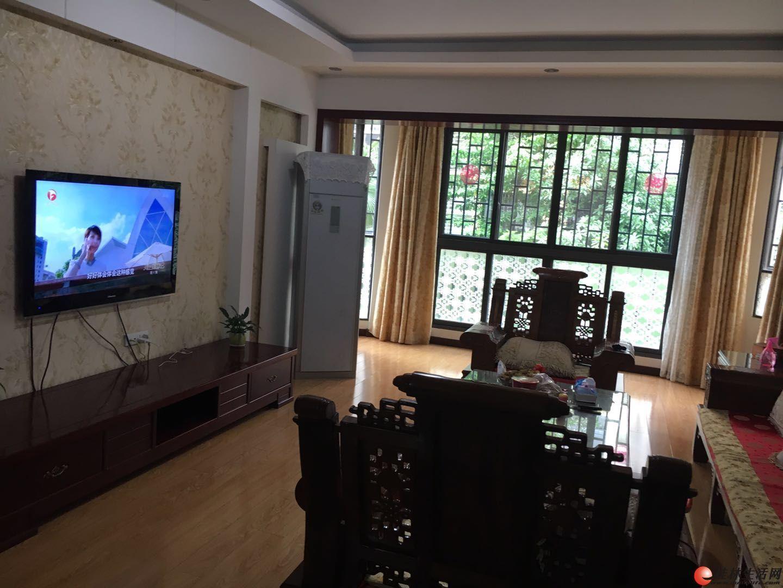 M兴进曦镇精装三房两厅两卫带双阳台楼梯二楼125平方90万送部分家具家电