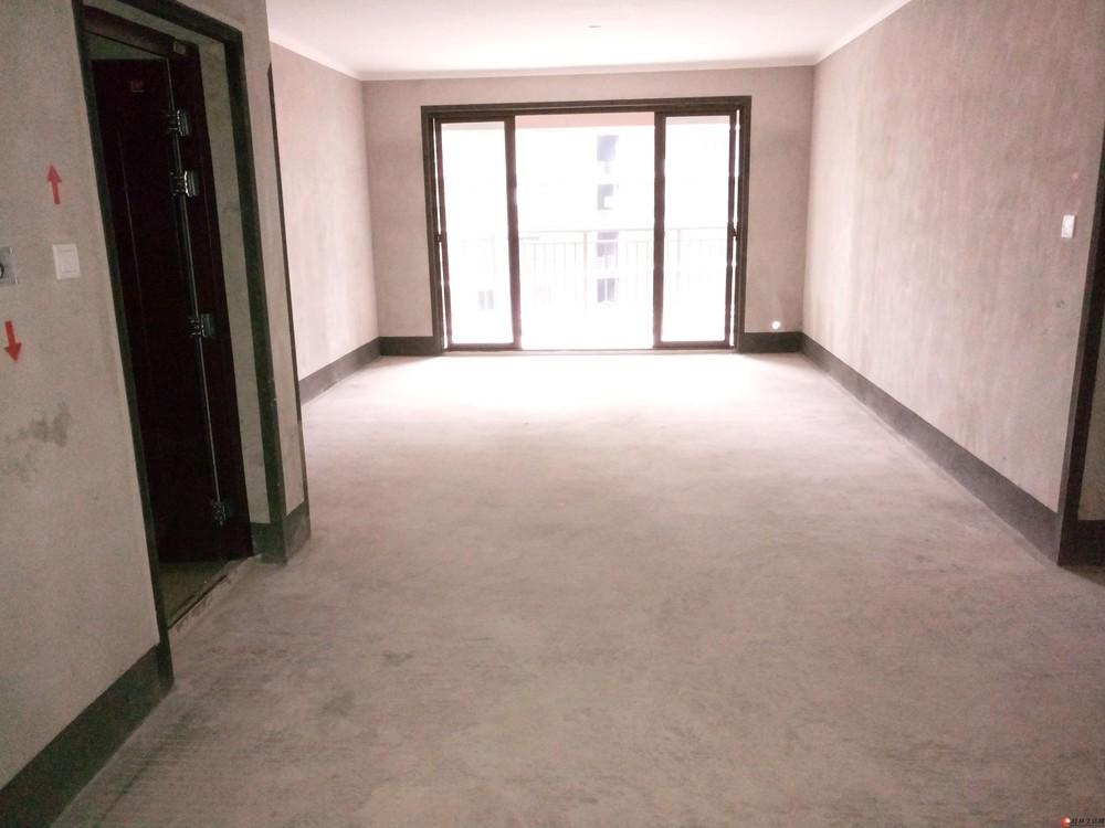 万达广场彰泰春天旁彰泰名都天街电梯10楼清水4房2厅2卫带车位146万