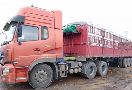 转让东风天龙雷诺375十三米拖车