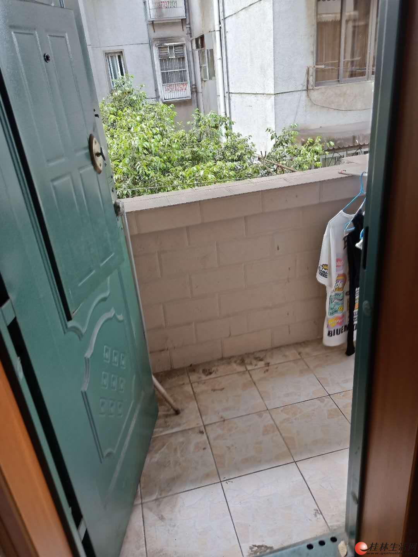 js榕湖学区房九岗岭6楼60平米42万 合适可议价