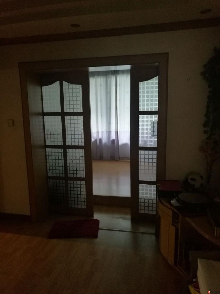 九岗岭学区房4房1厅自住房出售!环境优美地理优越