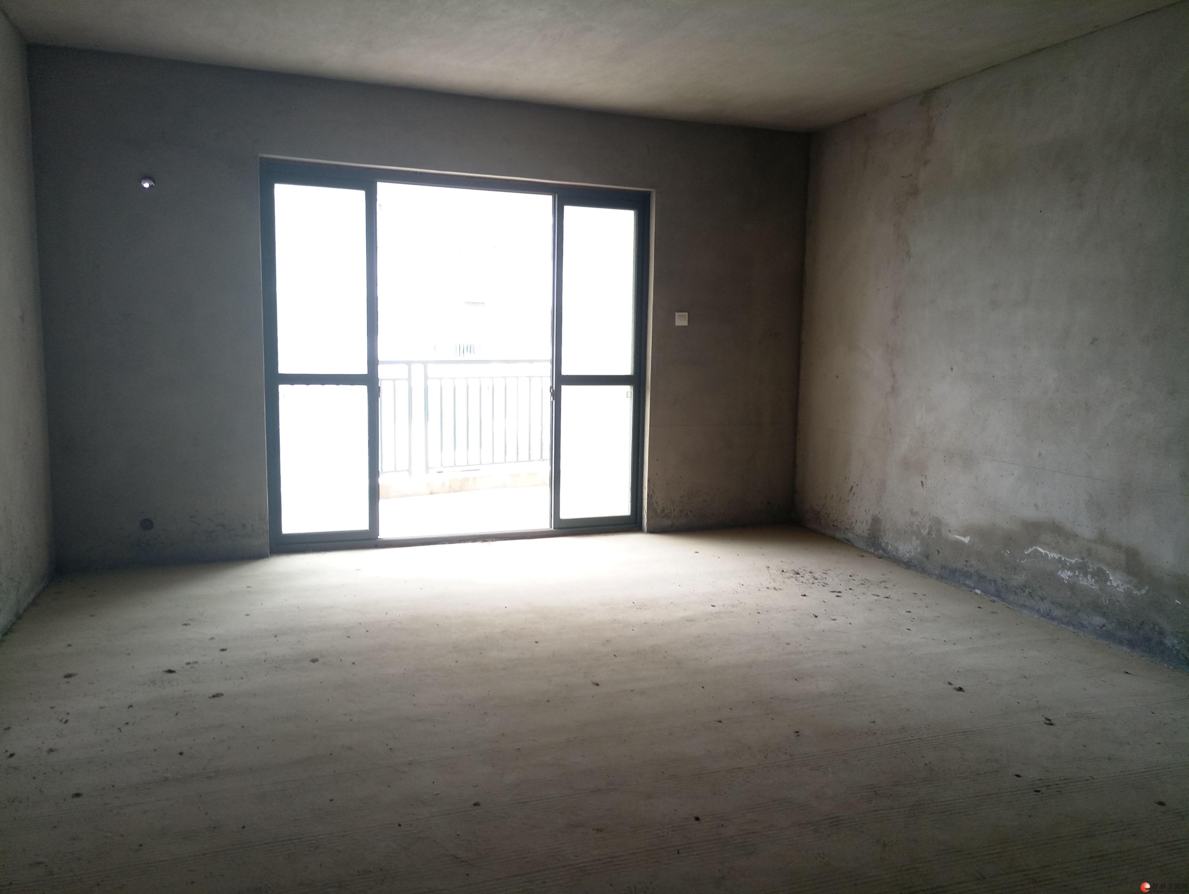七星新城 清水3房2厅2卫 152平米 电梯高层 106万