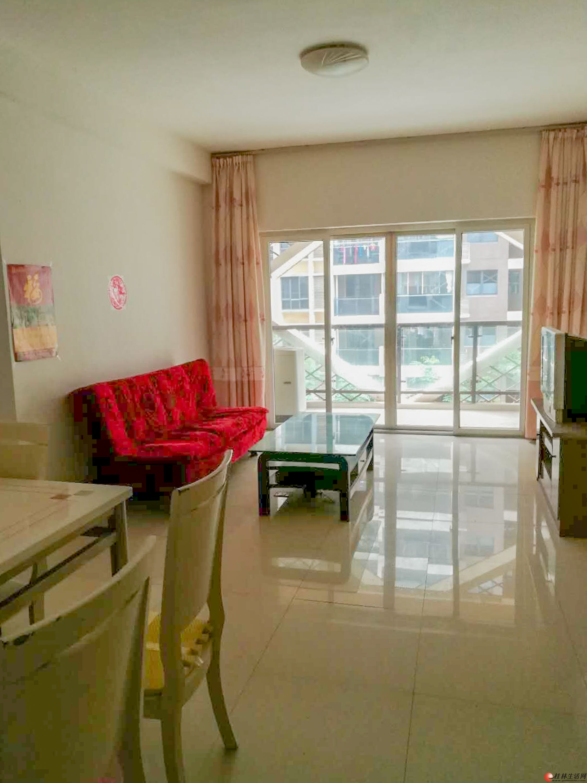 临桂山水凤凰城 3室2厅1卫 电梯楼 家电齐全拎包入住 房东直租