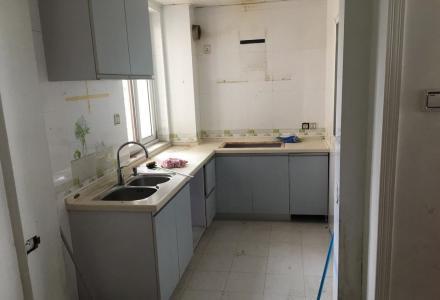 象山区上海南路聚龙湾5楼精装4房2厅2卫148平方110万