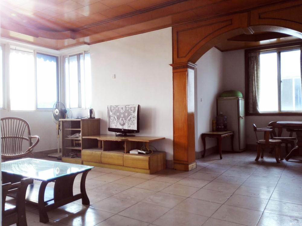 三房两厅一卫房屋出售