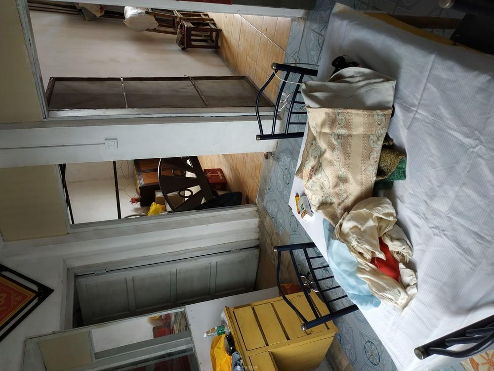 好地段二房一厅简装房屋出租