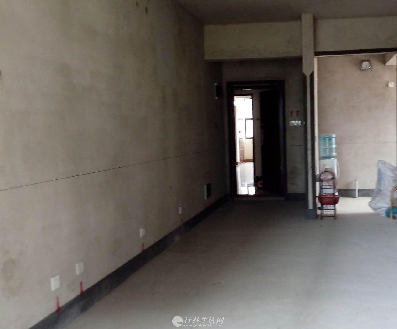 玉柴博望园 清水电梯2房81.75平 48万