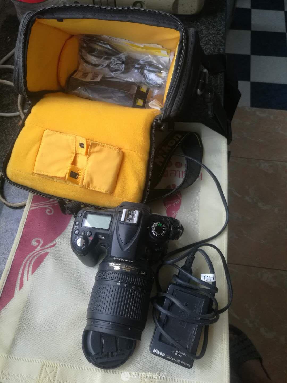 尼康经典相机D90机身+18-105镜头+85/1.8镜头,机身加双镜头,全套转让