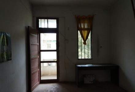 1室1厅1卫   48 平  简单装修带杂物间
