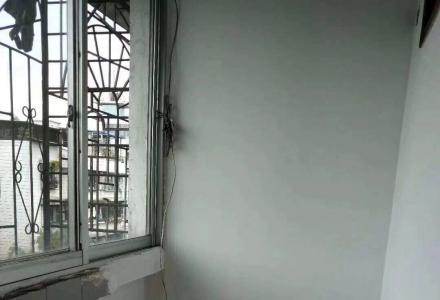 js急售乐群学区桂中初中 2房2厅1卫65平米65万可议价