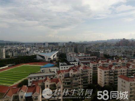 育才本部明珠大厦;4房2厅2卫,160平米,10楼,精装修,急售102万