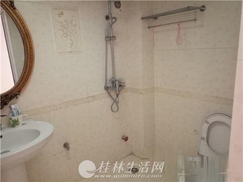 新房源湖光山色3楼142平米装修3房仅仅110万!!
