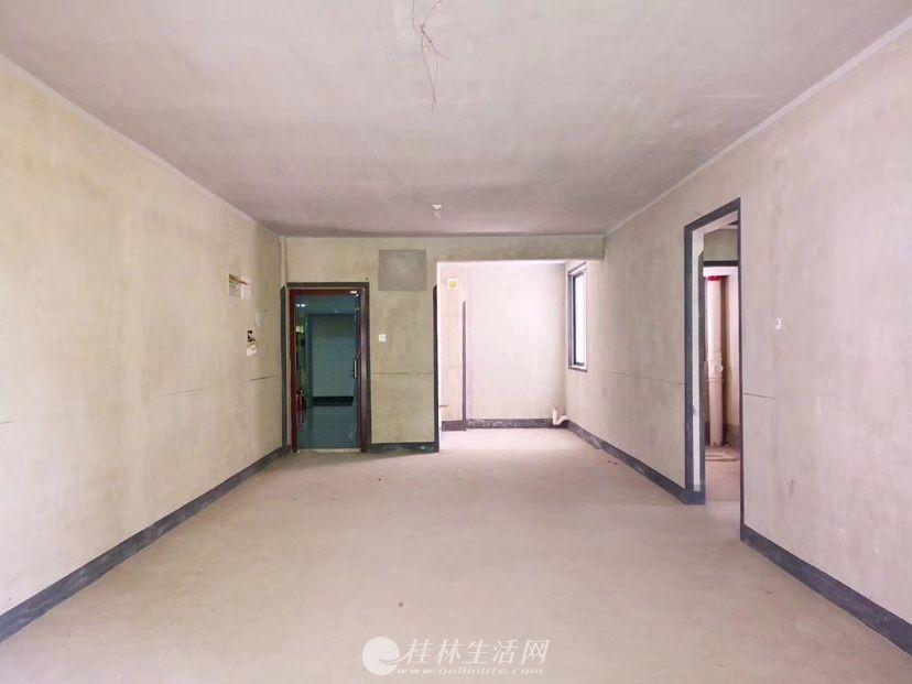 qy 龙隐学区好房推荐!!冠泰城国电梯3楼 132㎡ 3房 方正实用135万!