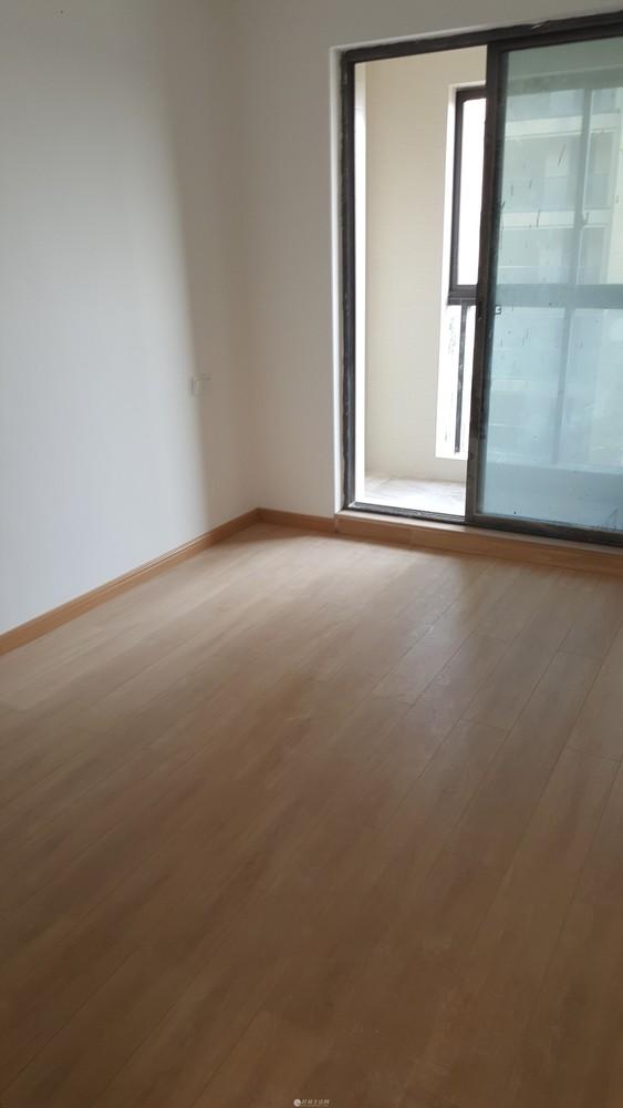 漓江大美新三房两厅2500出租