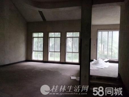 A.麒麟湾独栋大别墅毛坯大花园350万