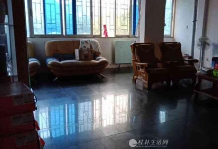 @象山区  鑫隆苑 精装3房带天面送杂物间产权146平58万业主诚心出售