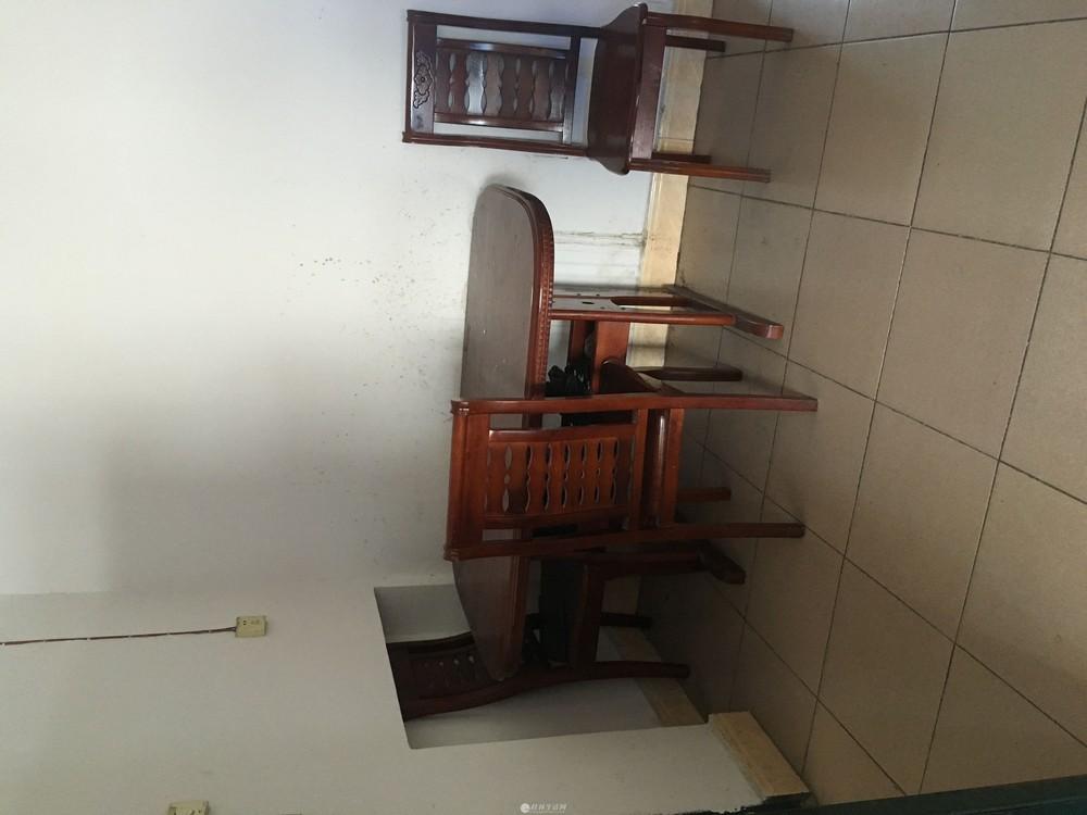 出租,鸾东小区,2房2厅1卫,80平米,步梯6楼,1000元/月,部分家具