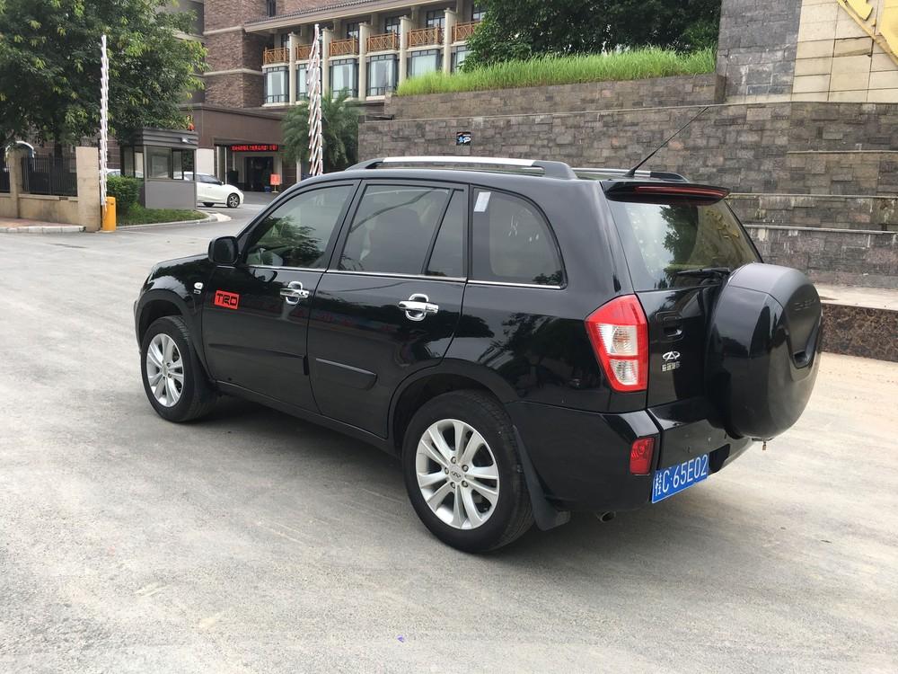 奇瑞瑞虎越野SUV.车大气宽阔底盘高