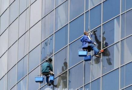 桂林叠彩区专业开荒保洁家庭保洁外墙清洗地毯清洗来电优惠公司