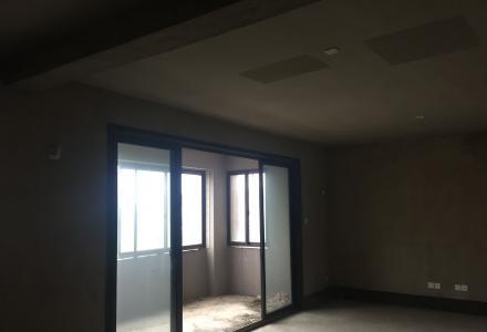 QYF 急急急。中海元居电梯精装修两房 2房2厅1卫出售!