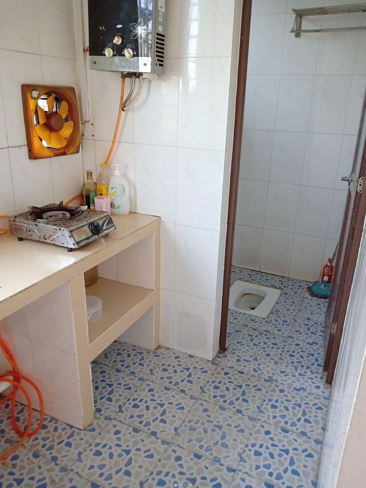 单间配套带厨房厕所 1楼 3楼 和5楼 光线好
