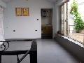 王牌小学  学区房 100米内